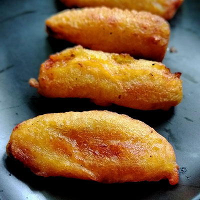 Yummy Banana fritters - a delicious and healthy evening snack.