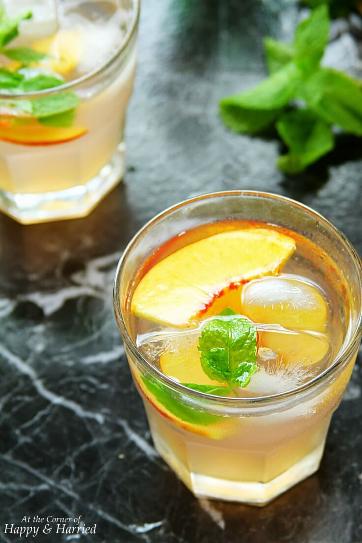 25 homemade summer drinks to keep you hydrated and healthy.