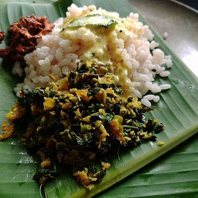 Edible leaves stir-fry is our modern version of pathila (10 leaf) thoran made with ten medicinal edible leaves during monsoon (Karkidakam) in Kerala. Use any available edible leaves from your yard.