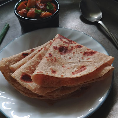 Easy Roti /chapati made in 30 minutes with wheat flour (atta), water, salt and oil. The only thing to notice preparing chapathi is quantity of water added.